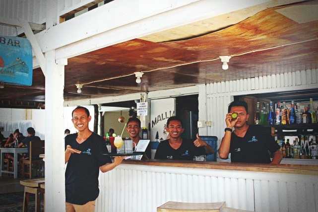 Mallias Bar Crew Gili Meno